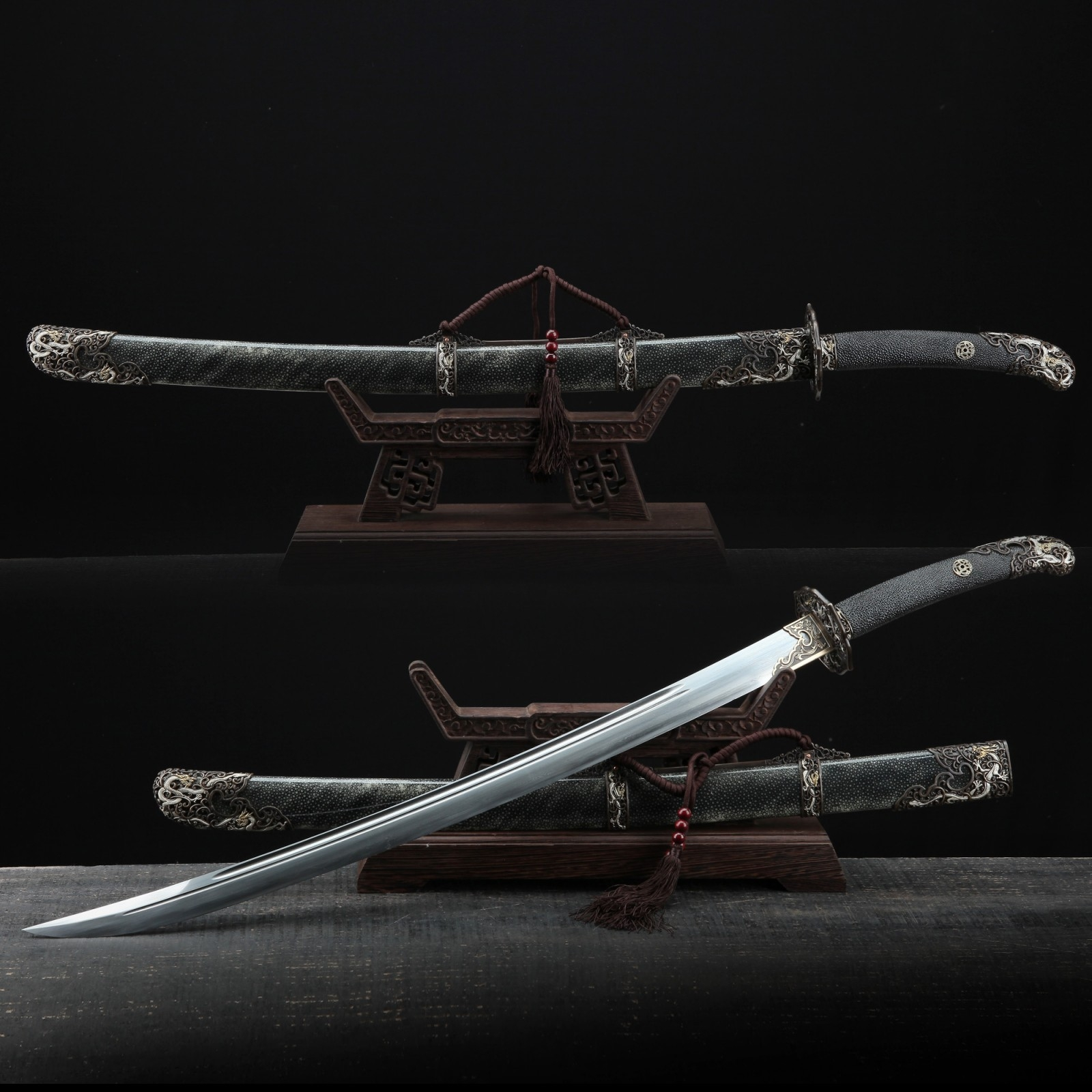 Handmade Chinese Qing Dynasty Real Rayskin Clay Tempered Real Hamon King Swords